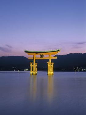 Tori, Miyajima, Honshu, Japan by Demetrio Carrasco