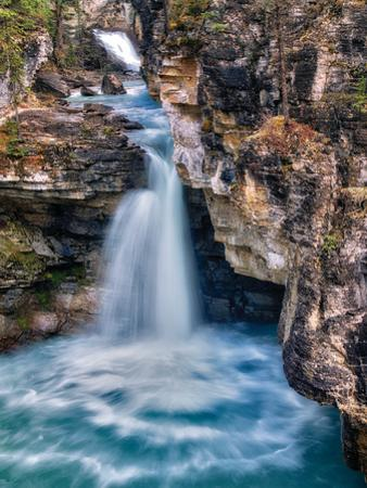 Cascade by Dennis Frates
