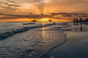 Sunset on Fort Myers Beach by derejeb