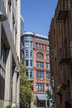 Alleyway Opens on Pioneer Square in Seattle by desertsolitaire