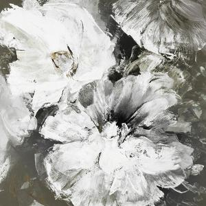 White and Gray Flowers by Design Fabrikken