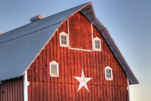 Red barn on a farm near Edgewood in Northeast Iowa, Winter, HDR by Design Pics