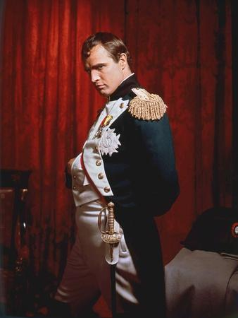 https://imgc.allpostersimages.com/img/posters/desiree-by-henry-koster-with-marlon-brando-dans-le-role-by-napoleon-1954-photo_u-L-Q1C41SU0.jpg?artPerspective=n