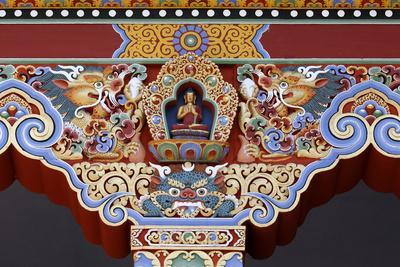 https://imgc.allpostersimages.com/img/posters/detail-of-buddha-temple-of-the-thousand-buddhas-dashang-kagyu-ling-congregation_u-L-Q1GYJIQ0.jpg?artPerspective=n