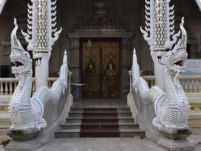 https://imgc.allpostersimages.com/img/posters/detail-of-buddhist-temple-lampang-thailand-southeast-asia-asia_u-L-PFL0AY0.jpg?p=0