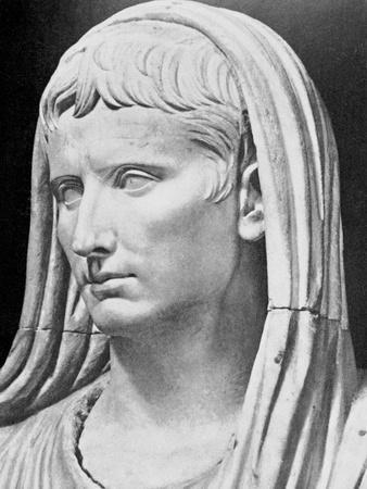 https://imgc.allpostersimages.com/img/posters/detail-of-emperor-augustus-ancient-roman-statue_u-L-PZOFRM0.jpg?artPerspective=n