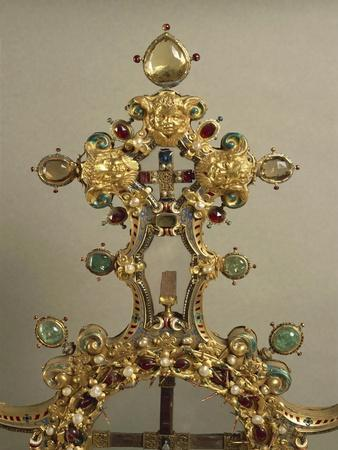 https://imgc.allpostersimages.com/img/posters/detail-of-gold-and-gems-cross-with-relics-of-passion_u-L-POVTRZ0.jpg?p=0