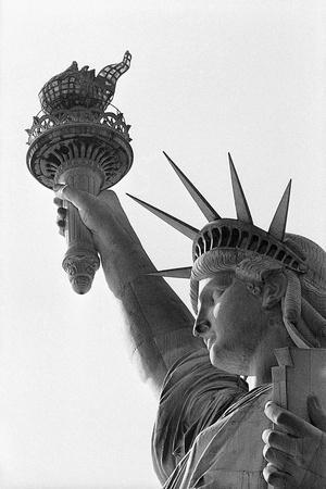 https://imgc.allpostersimages.com/img/posters/detail-of-the-statue-of-liberty-by-frederic-auguste-bartholdi_u-L-PZOB4T0.jpg?artPerspective=n