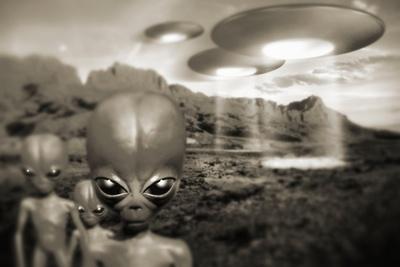 Alien Contact In the 1940s, Artwork