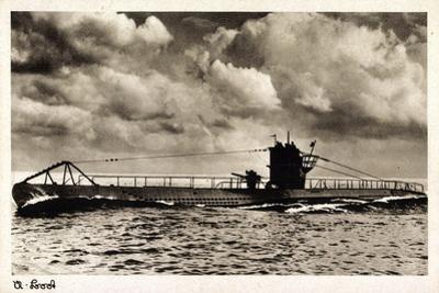 Deutsches U Boot Beim Auftauchen in Fahrt Auf See