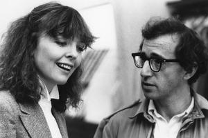 Diane Keaton and Woody Allen MANHATTAN, 1979 directed by Woody Allen (b/w photo)