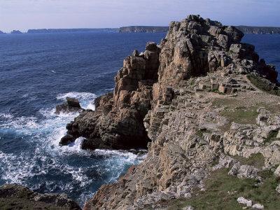 https://imgc.allpostersimages.com/img/posters/dinan-point-crozon-peninsula-brittany-france_u-L-P1TSNW0.jpg?p=0