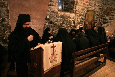 https://imgc.allpostersimages.com/img/posters/dining-hall-at-koutloumoussiou-monastery-mount-athos-greece_u-L-Q1GYGMV0.jpg?artPerspective=n