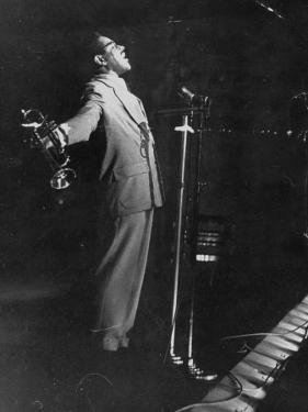 Dizzy Gillespie Singing in Nightclub