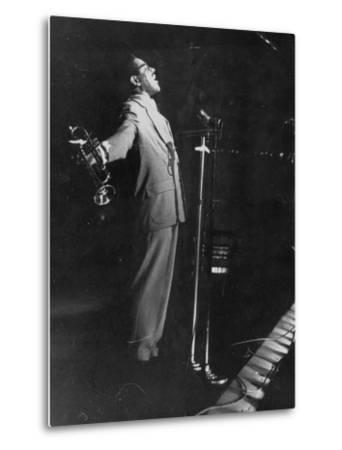Dizzy Gillespie Singing in Nightclub