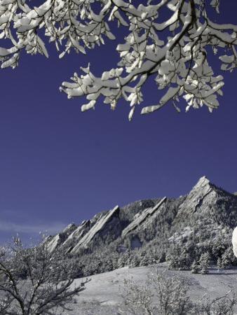 Winterscene of the Flatirons in Boulder, Colorado by Dörte Pietron