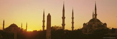 https://imgc.allpostersimages.com/img/posters/domes-and-minarets-of-the-blue-mosque-sultan-ahmet-mosque-istanbul-turkey-europe_u-L-P2R2W00.jpg?p=0