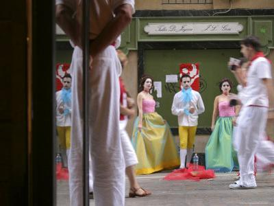 Trio of Painted and Costumed Street Performers Sing Opera on Calle Estafeta