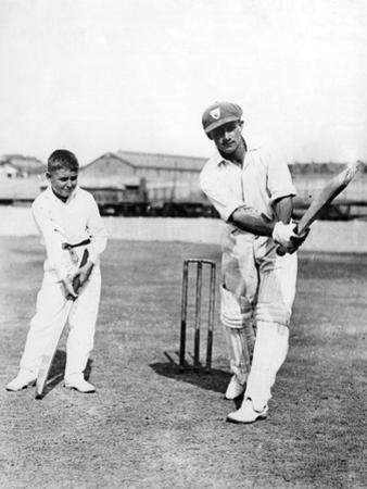 Don Bradman Gives Lesson