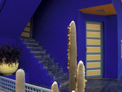 https://imgc.allpostersimages.com/img/posters/door-and-plants-in-jardin-majorelle-marrakech-morocco_u-L-P586380.jpg?p=0
