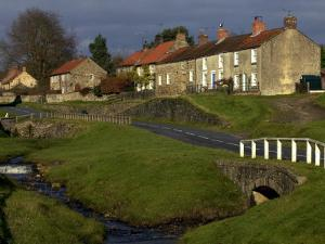 Hutton-Le-Hole, North York Moors National Park by Doug McKinlay