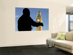 Nelson Mandela Statue and Big Ben, Parliament Square by Doug McKinlay