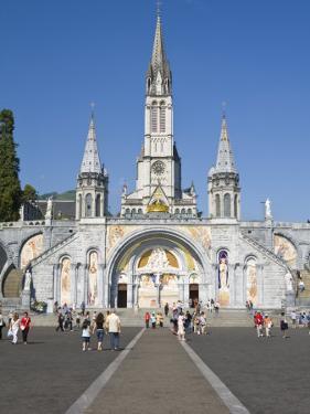 Basilika Du Rosaire, Lourdes, Hautes-Pyrenees, Midi-Pyrenees, France by Doug Pearson
