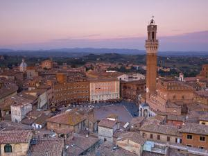 Palazzo Publico and Piazza Del Campo, Siena, Tuscany, Italy by Doug Pearson