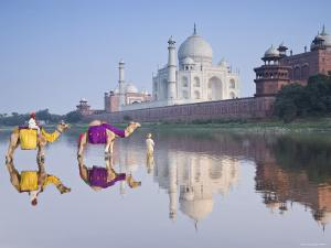 Taj Mahal, Agra, Uttar Pradesh, India by Doug Pearson