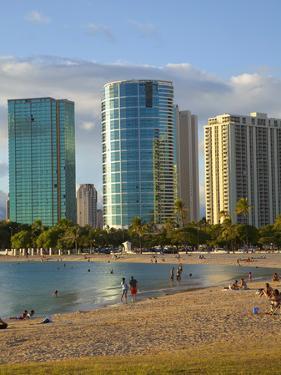 Ala Moana Beach Park, Waikiki, Honolulu, Oahu, Hawaii, USA by Douglas Peebles