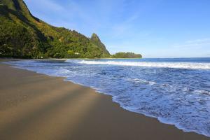 Haena Beach, Kauai, Hawaii by Douglas Peebles