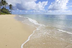 Kaaawa Beach, Windward Oahu, Hawaii by Douglas Peebles