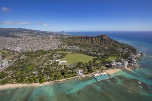 Kapiolani Park, Waikiki, Honolulu, Oahu, Hawaii by Douglas Peebles
