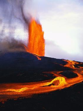 Kilauea Erupting by Douglas Peebles
