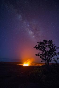 Milky Way, Halemaumau, Crater, Kilauea Volcano, Hawaii Volcanoes National Park, Hawaii by Douglas Peebles