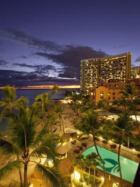 Sunset, Waikiki Beach, Honolulu, Oahu, Hawaii, Usa by Douglas Peebles
