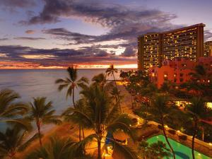 Twilight, Waikiki, Oahu, Hawaii, Usa by Douglas Peebles