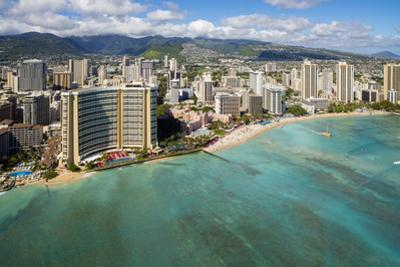 Waikiki, Honolulu, Oahu, Hawaii by Douglas Peebles