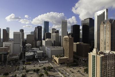 https://imgc.allpostersimages.com/img/posters/downtown-city-skyline-houston-texas-united-states-of-america-north-america_u-L-PQ8O5N0.jpg?p=0