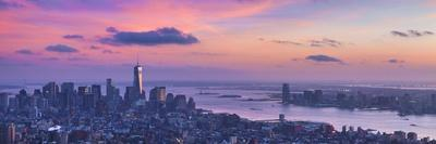 https://imgc.allpostersimages.com/img/posters/downtown-new-york-panoramic-freedom-tower_u-L-Q1CACJA0.jpg?artPerspective=n