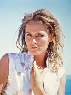 Dr NO, 1962 directed by TERENCE YOUNG Ursula Andress (photo)