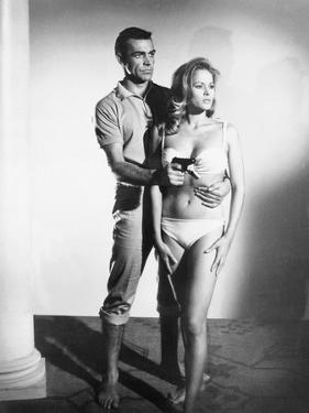 Dr No, L-R: Sean Connery, Ursula Andress, 1962