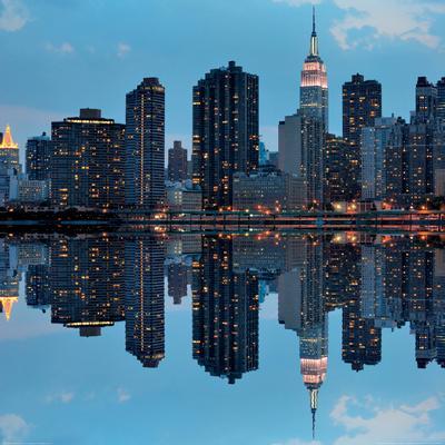 https://imgc.allpostersimages.com/img/posters/dramatic-skyline-of-manhattan-new-york_u-L-F5BD7G0.jpg?p=0