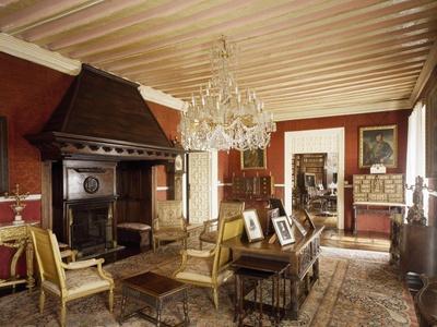 https://imgc.allpostersimages.com/img/posters/drawing-room-marquis-de-benemejis-house-santillana-del-mar-spain_u-L-PP2TNN0.jpg?p=0