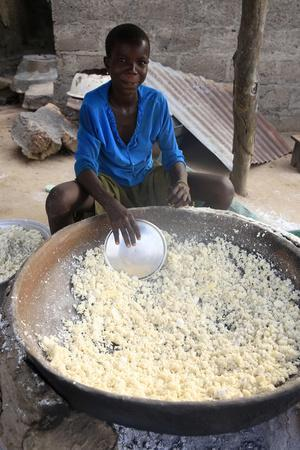 https://imgc.allpostersimages.com/img/posters/drying-the-cassava-in-the-african-village-of-datcha-togo_u-L-Q1GYK3O0.jpg?artPerspective=n