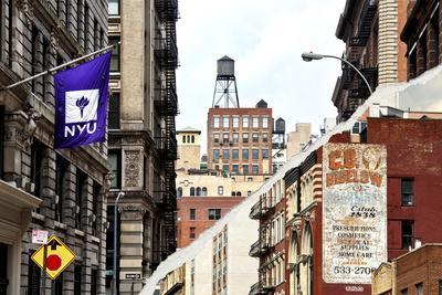 https://imgc.allpostersimages.com/img/posters/dual-torn-posters-series-new-york-city_u-L-PZ4UKZ0.jpg?p=0