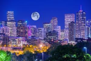 Denver Colorado at Night by duallogic