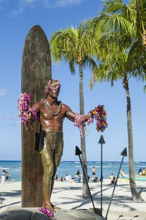 https://imgc.allpostersimages.com/img/posters/duke-paoa-kahanamoku-waikiki-beach-honolulu-oahu-hawaii-united-states-of-america-pacific_u-L-PWFIIN0.jpg?p=0