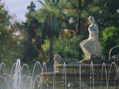 Christina Gardens, Plaza De Jerez, Seville (Sevilla), Andalucia (Andalusia), Spain, Europe