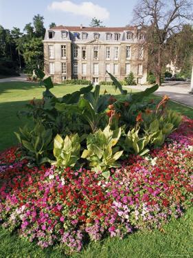 Jardin Des Plantes, Quartier Latin, Paris, France by Duncan Maxwell